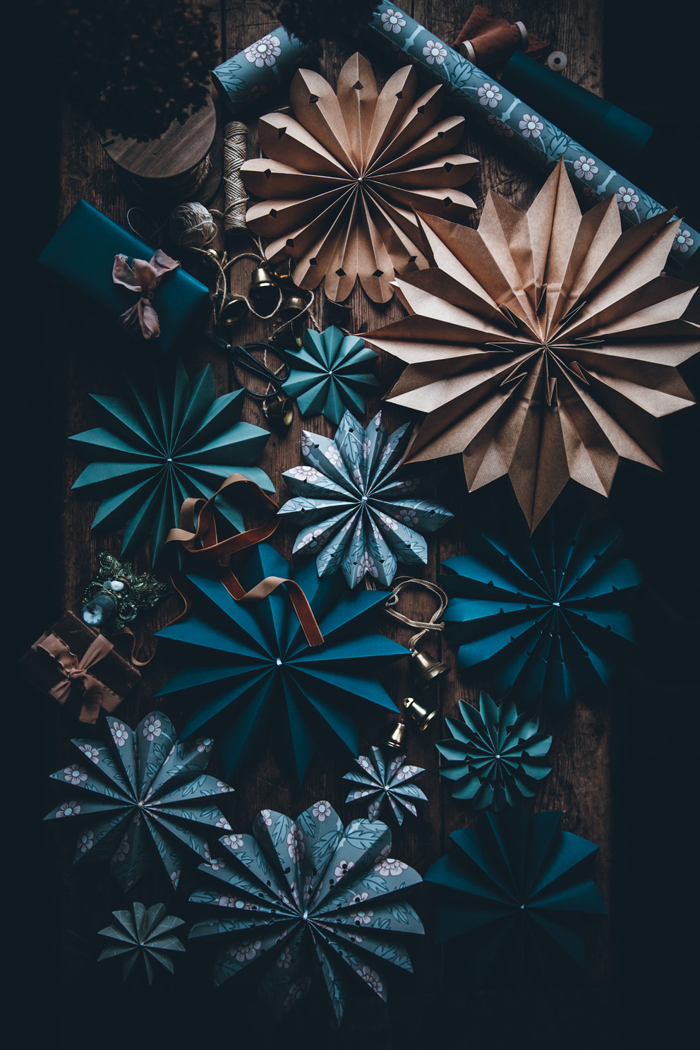 Origami star. Paper Christmas star. Easy way - Origami star ...   1487x992